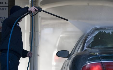 https://neatenindia.com/post/What equipment do I need to start a car wash outlet?